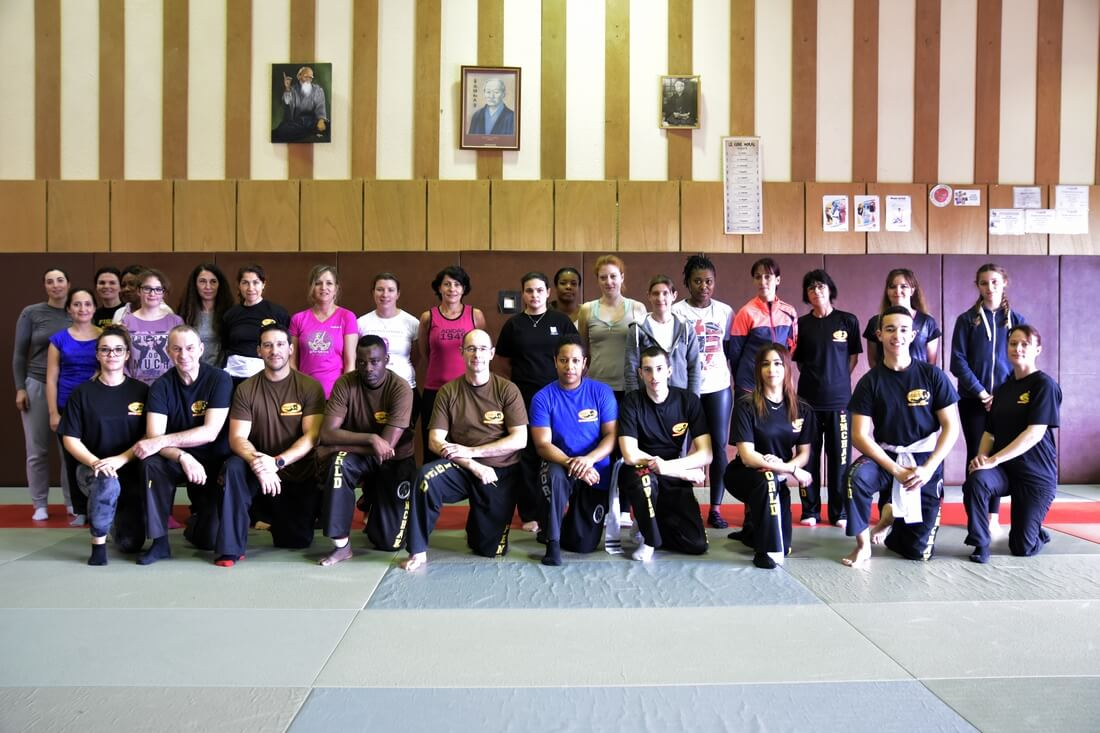 01-stage-self-defense-feminine-26-02-17